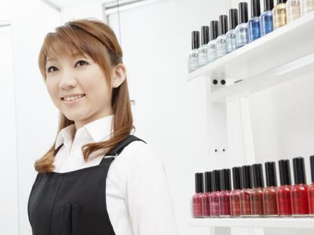 化粧品やスキンケア用品を選ぶ